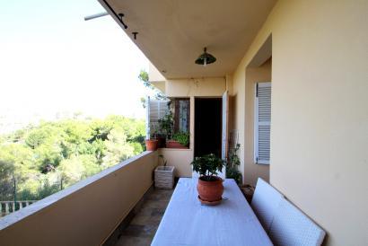 Apartamento de 2 dormitorios, terrazas y vistas al mar en la Bonanova