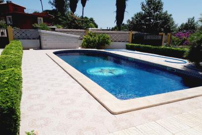 Casa de 3 dormitorios con jardín y piscina en Son Sardina, Palma