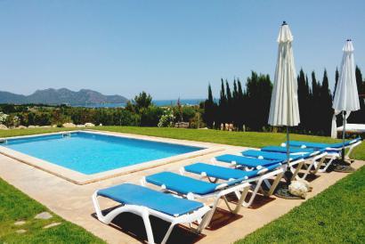 Casa de campo con vistas al mar y piscina  en Son Servera