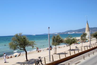 Casa en primera linea de mar, 4 dormitorios y parking en Es Portixol, Palma