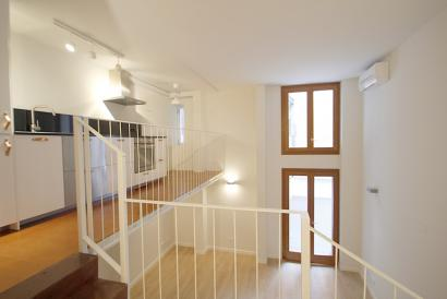 Unfurnished apartment with lift and terrace in Plaza de Santa Eulalia, Palma