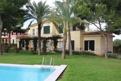 Apartamento nuevo a estrenar de 2 dormitorios y piscina en Sa Rápita, Mallorca