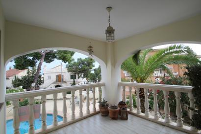 Apartamento de 4 dormitorios con vista al mar y piscina en la Bonanova, Palma