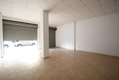 Commercial premises at street level with 70 m² street Aragon-Reyes Catolicos, Palma
