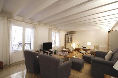 Bonito apartamento sin amueblar de 4 dormitorios y parking en zona Borne, Palma