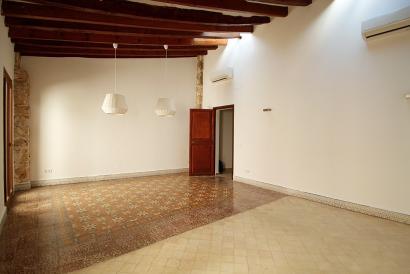 Apartamento sin amueblar de 2 dormitorios en zona San Miguel, Palma