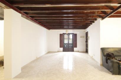 Apartamento de 60 m² para reformar en calle peatonal Casco Antiguo de Palma.