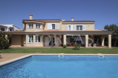 Imponente villa con fantásticas vistas al mar en Sa Torre, cerca de Palma