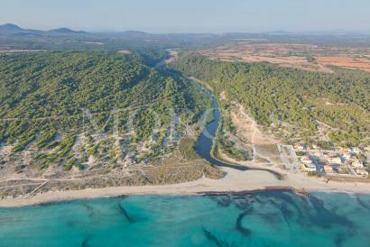 Dos terrenos urbanos juntos a 100 metros del mar en Son Serra de Marina