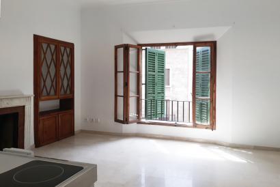 Unfurnished one bedroom apartment, Jaime III area, Palma.