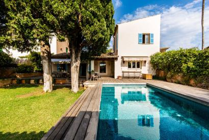 Attractive house with garden and pool in area schools, Palma