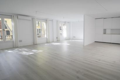 RESERVED Bright office 73 m² in the comercial area of Plaza Mercat, Palma
