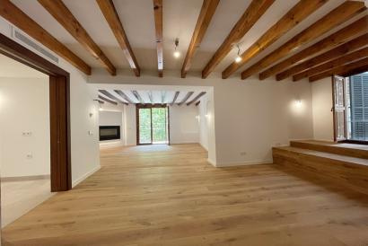 Inmejorable apartamento de 2 dormitorios, terraza, parking Casco Antiguo.