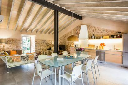 Country house, furnished with 2 bedrooms, garden, and pool near Soller.