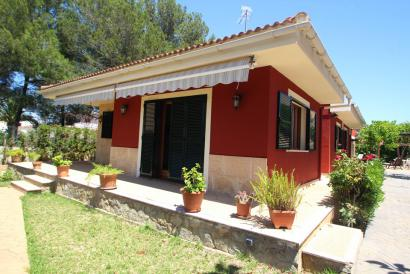 Furnished house with 3 bedrooms and garden in El Toro close to Port Adriano.