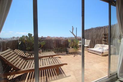 Penthouse to renovate with terrace and fantastic views, Parque Ses Estaciones, Palma