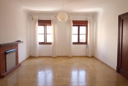3 bedroom unfurnished flat in Avenidas-Aragón area, Palma.