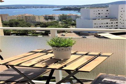 Furnished studio with terrace and fantastic sea views in Portals Nous, Calviá.