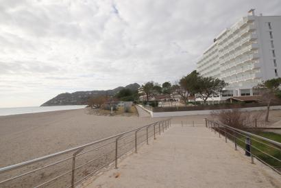2 bedroom apartment with terrace next to Canyamel beach in Artá area.