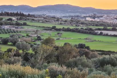 Bebaubares Grundstück mit 35.000 m² mit fatastischem Blick in die Berge in Montuiri
