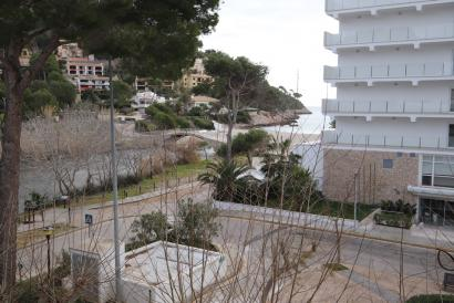 Apartment to renovate 2 bedrooms, terrace next to Canyamel beach, Artá.