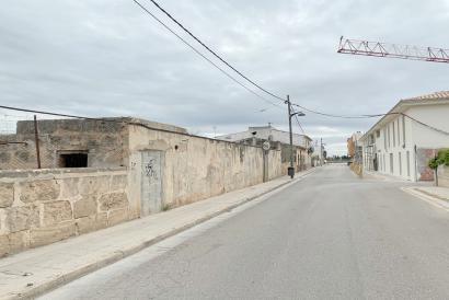 Para promoción de apartamentos, solar urbano de 900 m² en el centro del pueblo de Pont D'Inca, Marratxi.