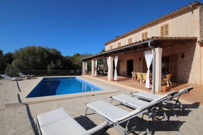 Country house with fantastic views, 4 bedrooms, pool and garden. Sant Joan
