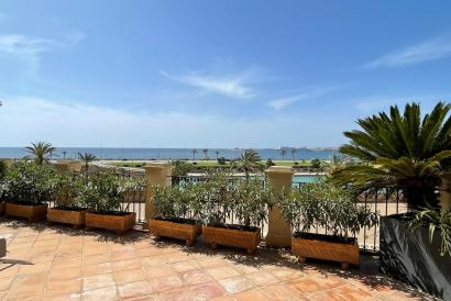 Perhaps the best flat in Palma with terraces and views of the sea, Old Town.