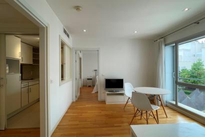 Apartamento con vistas al jardín de 1 dormitorio zona General Riera, Palma.