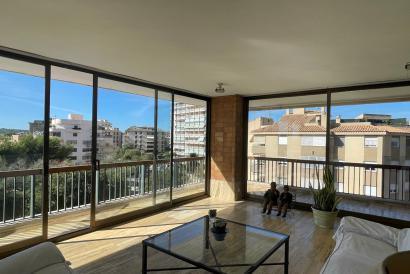 Apartamento de 240 m²  con 5 dormitorios, piscina y parking en Son Dameto.