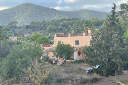 Casa de campo para reformar con terreno, vistas a la Tramuntana  en Alaro.