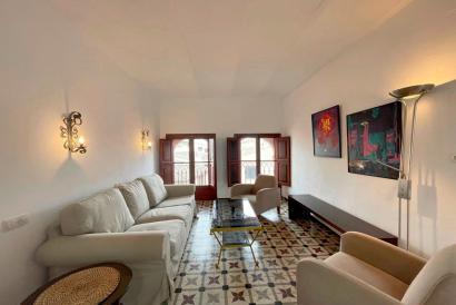 Centro histórico, apartamento amueblado, un dormitorio con ascensor zona Borne