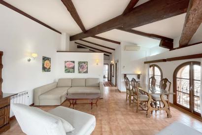 Ático amueblado con terraza, un dormitorio zona paseo del Borne, Palma.